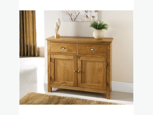 WANTED: oak sideboard and nest of tables