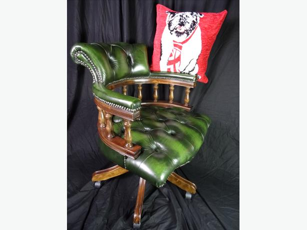 Regency Chesterfield Style Handmade Green Leather Relaxing Swivel Captains Chair