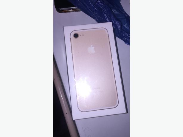 iPhone 7 128gbbrand new unlocked gold