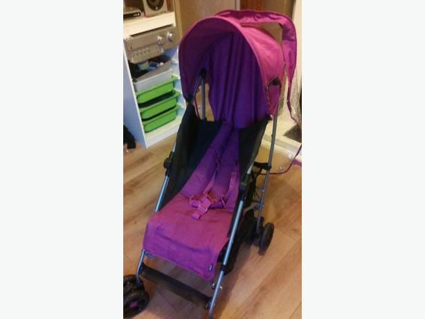 MAMAS AND POPPERS PINK PUSHCHAIR