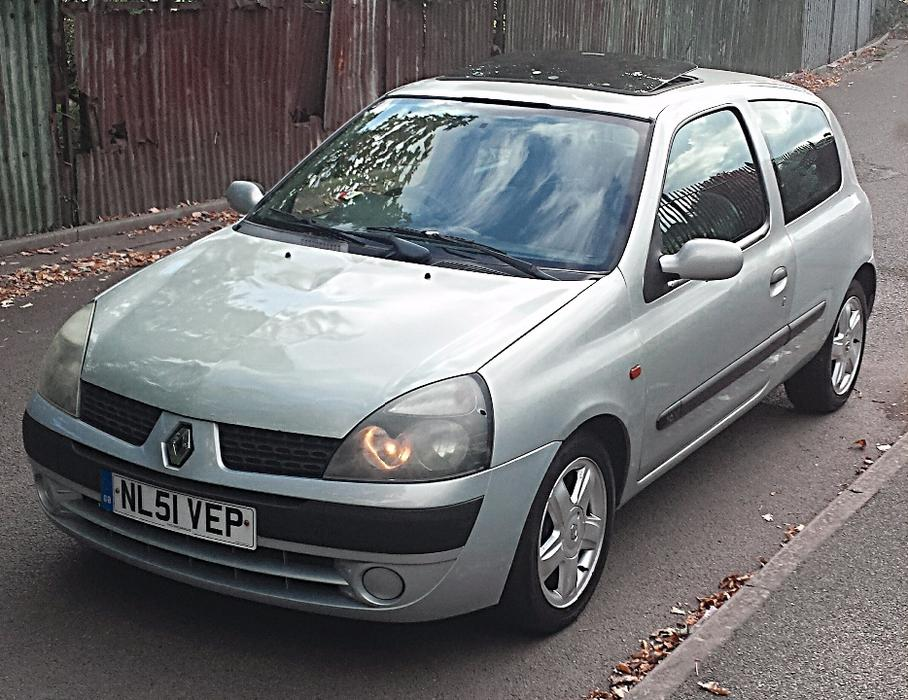2002 renault clio 1 2 expression oldbury dudley. Black Bedroom Furniture Sets. Home Design Ideas