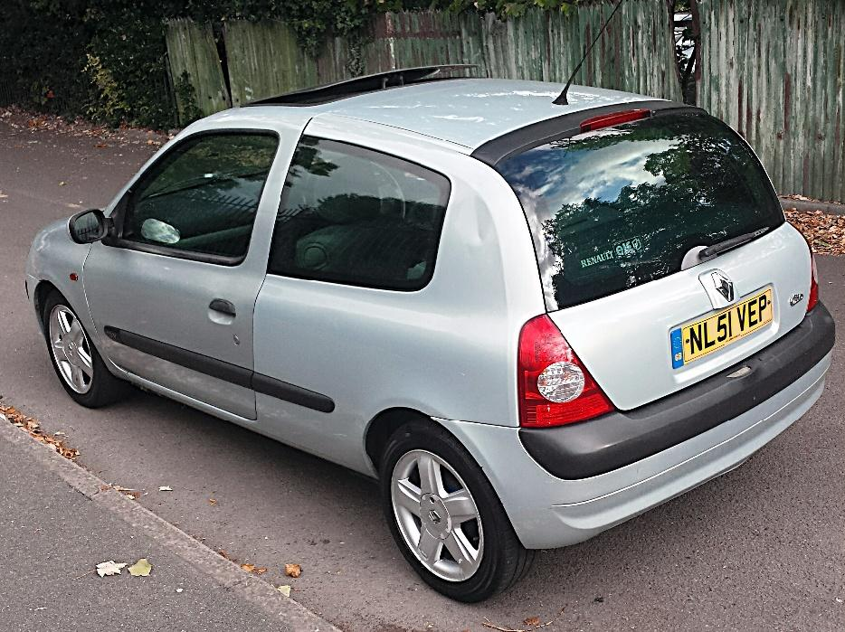 2002 renault clio 1 2 expression oldbury wolverhampton. Black Bedroom Furniture Sets. Home Design Ideas