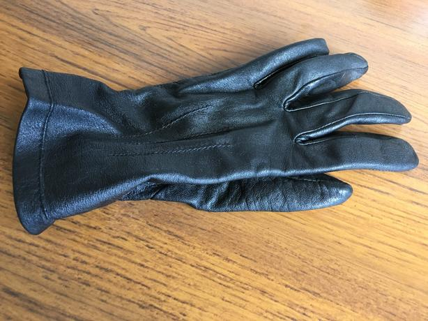 FREE: M&S Women's Black Leather Glove