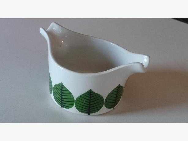 MID CENTURY COLLECTABLE SCANDINAVIAN BERSA LINDBERG CERAMIC SAUCE BOAT DECOR