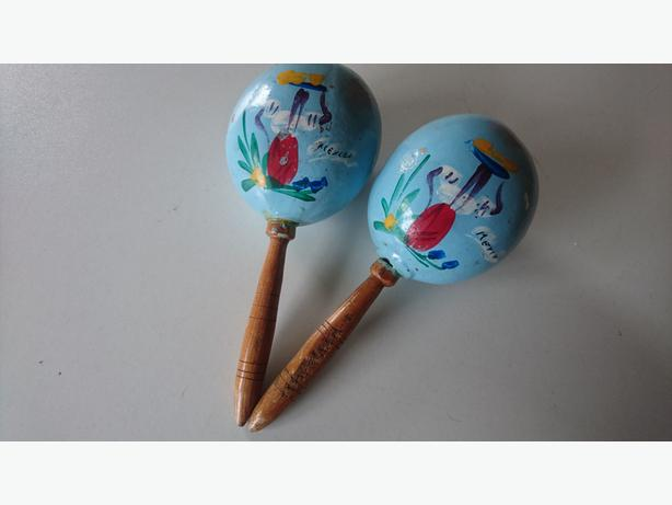 VINTAGE 1960S HAND PAINTED MEXICO PAIR MARACAS SOUND GOOD DECOR DISPLAY PROP FAB