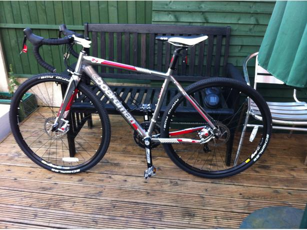 BOARDMAN CX TEAM BIKE