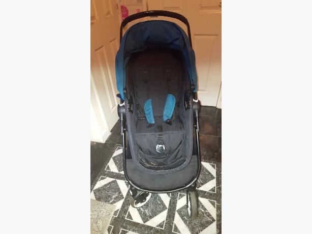 pram black and teal