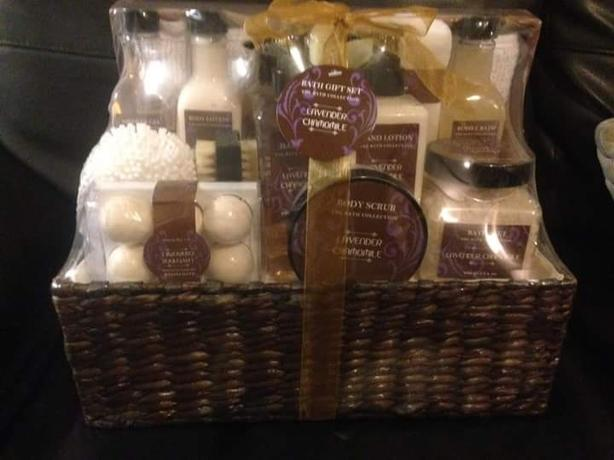 10 bath hampers