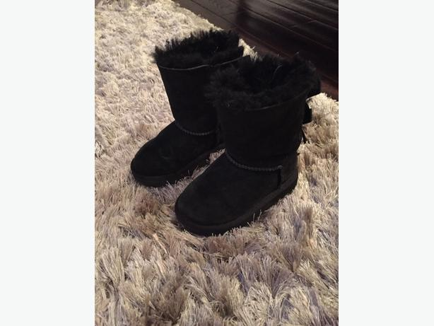 girls ugg boots size 7