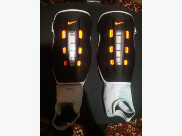 NIKE WRAPT SHIELD SHINPADS