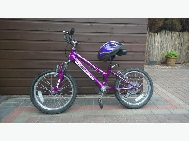 "18"" Girls Bicycle and Helmet"