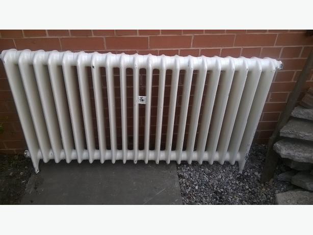 cast iron radiator .old school radiators