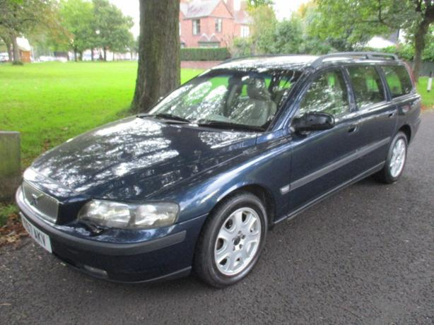 VOLVO V70 7 SEATER ESTATE 2001 LONG MOT CHEAP TO CLEAR AT £575