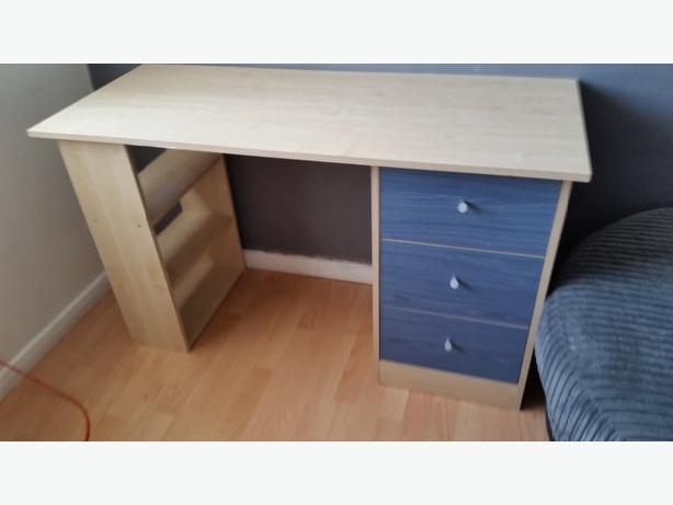 bedroom table
