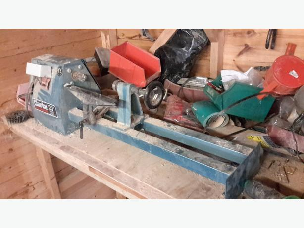 £40 woodworking lathe