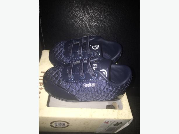 fire trap baby shoes size 2