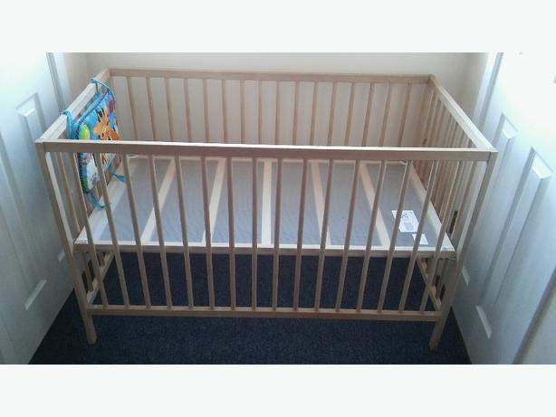 babys cot. excellent condition