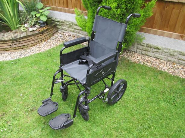 Wheelchair - Suitable for a child/teenager