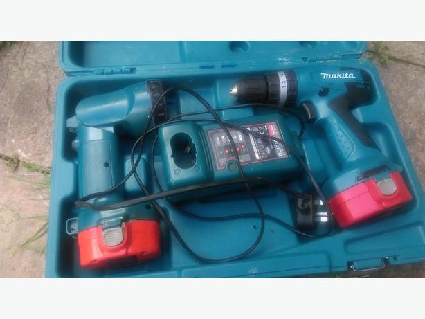 makita 14.4 volt drill and torch set