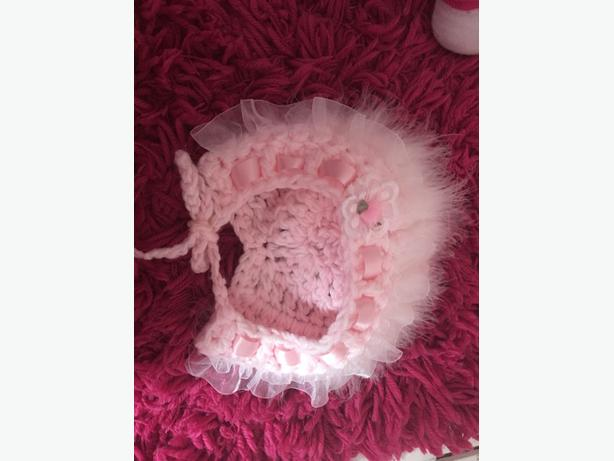 age 1 years frilly hat