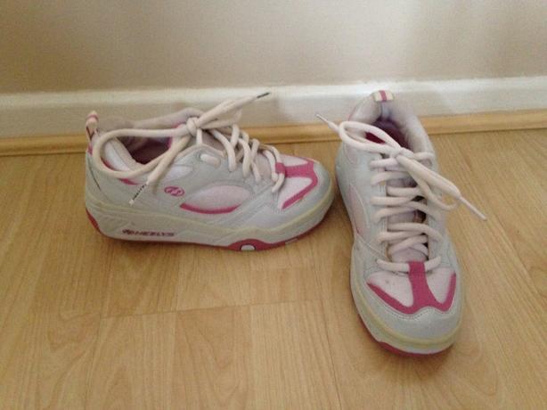 Girls original heelys size 3