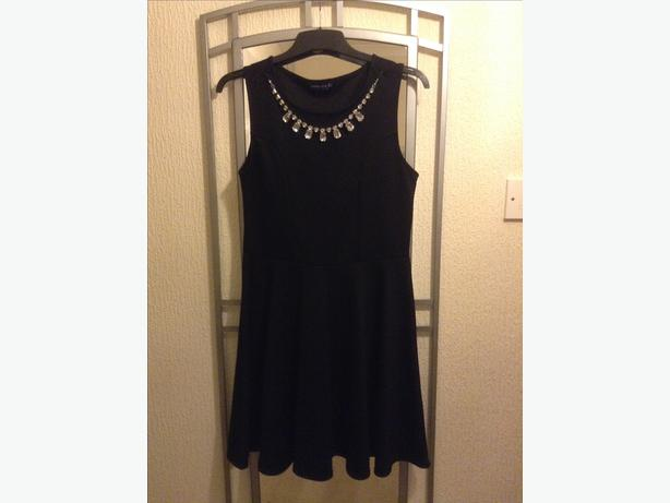 LADIES BLACK DRESS.
