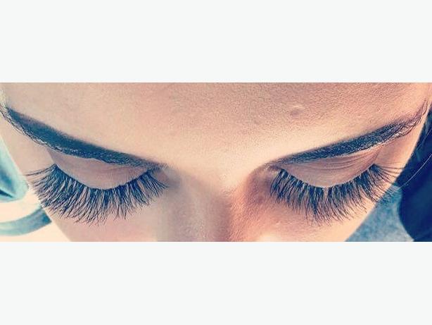 Cluster eyelashes