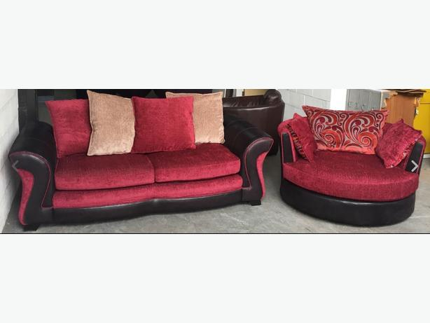 Immaculate DFS 3 Seater&Swivel/Cuddle Armchair.WE DELIVER