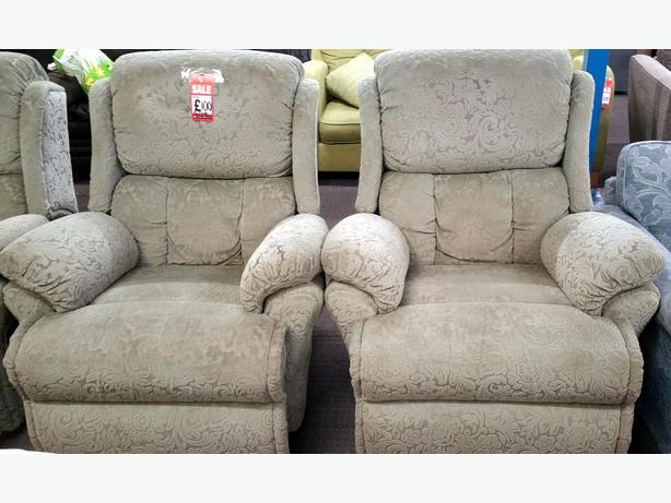 SAGE GREEN RECLINING 3 PIECE SUITE
