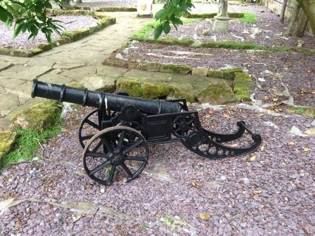 LARGE SOLID CAST IRON CANON