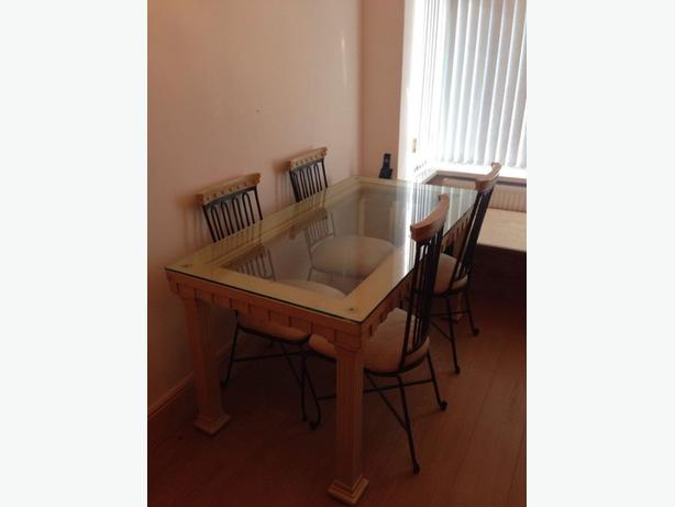 BEAUTIFUL DINING TABLE & 4 CAST IRON CHAIRS