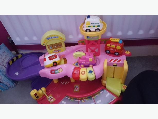 toot toot pink garage