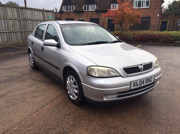 Automatic Astra 1.6, 2004 model, 12 months mot, 71000 on clock, good condition