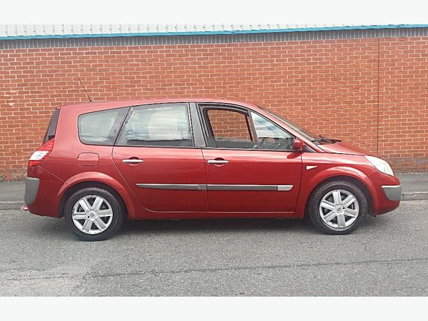 2005 05 Renault Grand Scenic Dynamique 7 Seater