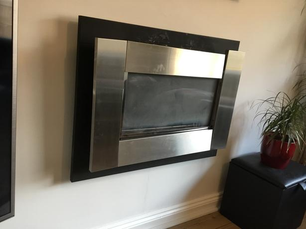 Focal point flueless plasma gas fire