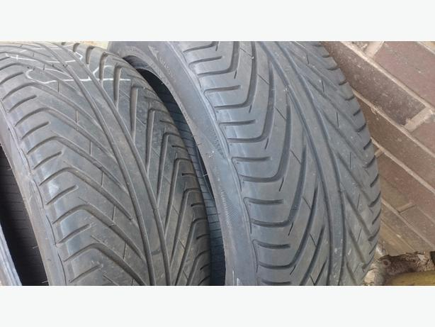 2x near new 245/45/zr18 tyres