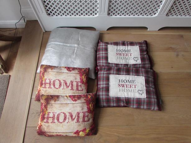 Lovely collection cushions x 5