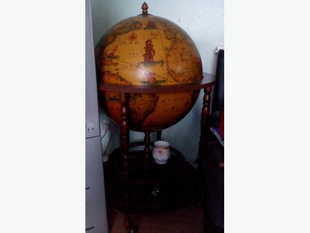 drinks globe