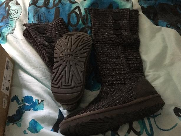 grey knitted ugg boots size 6.5