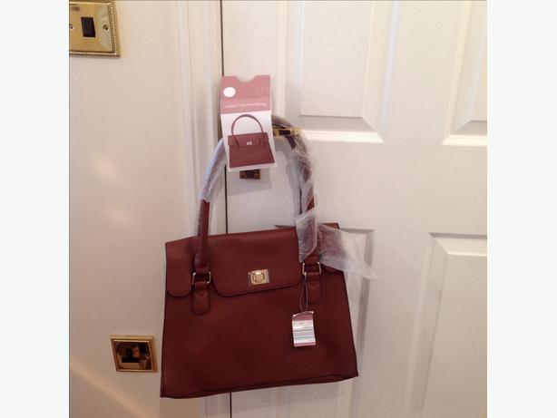 brand new large brown handbag No time wasters