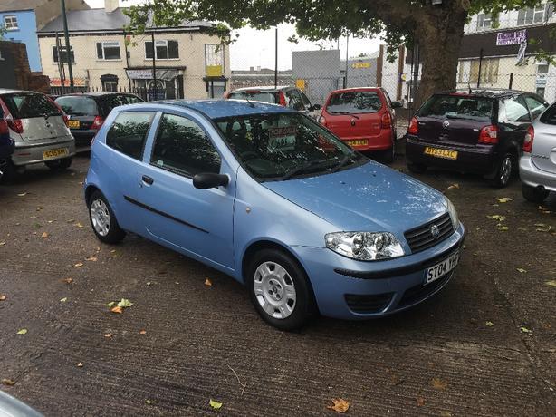 Fiat punto 1.2 active blue long MOT 2004 only 77,000 miles