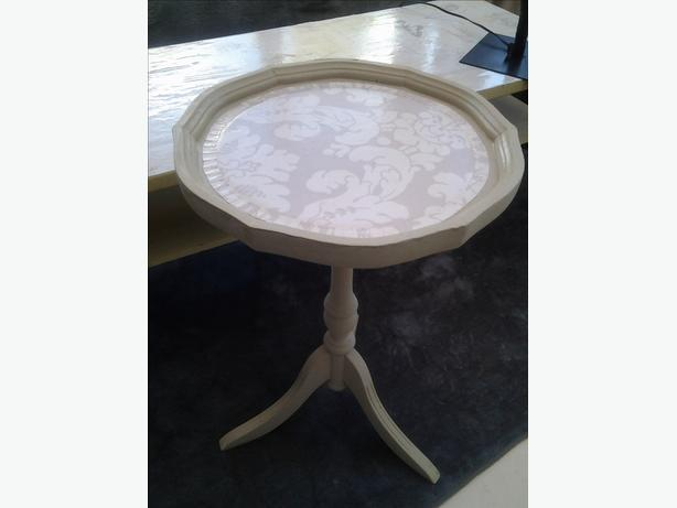 circular shabby chic occasional table