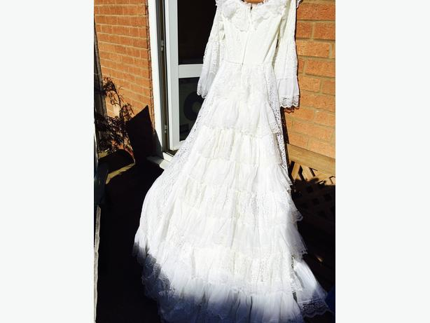 Pronuptia wedding dress