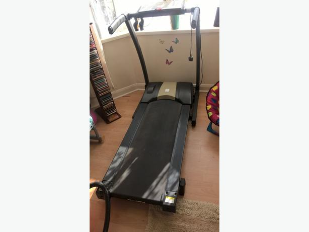 electric treadmil good working condition