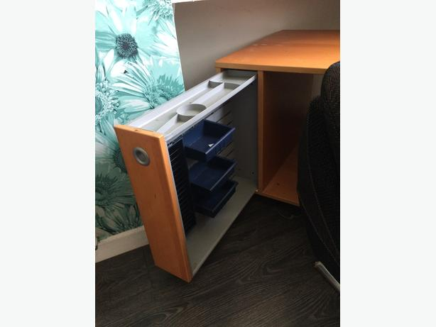 wooden computer table with pull out drawer £10 if gone this weekend
