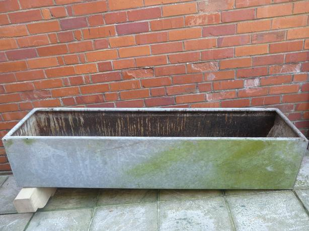 6fT GALVANISED WATER TROUGH - IDEAL PLANTER - WEATHERED LOOK