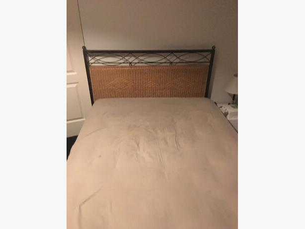 bed frame and matress