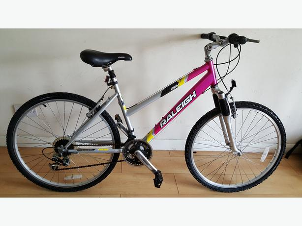 Raleigh Minx Girls Ladies Mountain Bike. 18 speed. (Suit: 16 yrs to Adult).