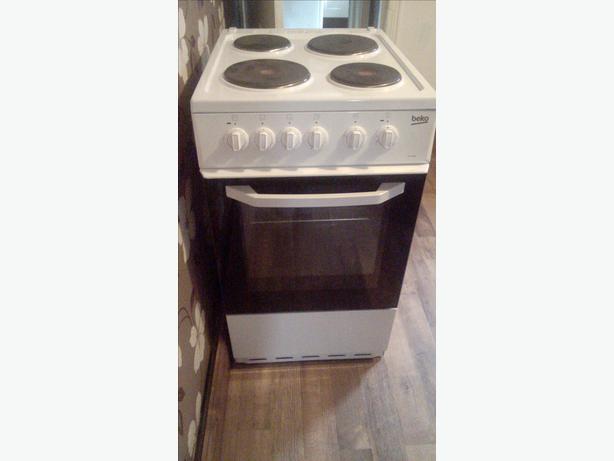 Like New! Beko electric cooker 50cmW