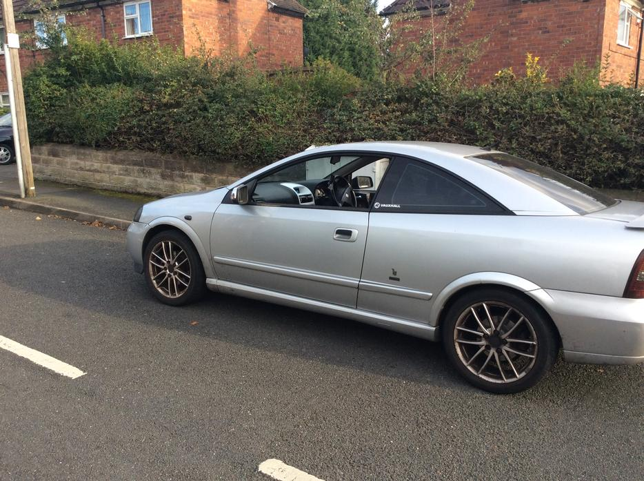 vauxhall astra 1 8 bertone coupe quick sale needed offers welcome great barr sandwell. Black Bedroom Furniture Sets. Home Design Ideas